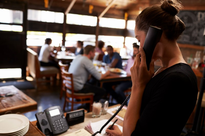 The top 3 reasons why you should outsource your restaurant bookings